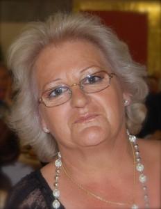 Mi madre, que es guapísima :) y cuando se deja, le saco una fotillo