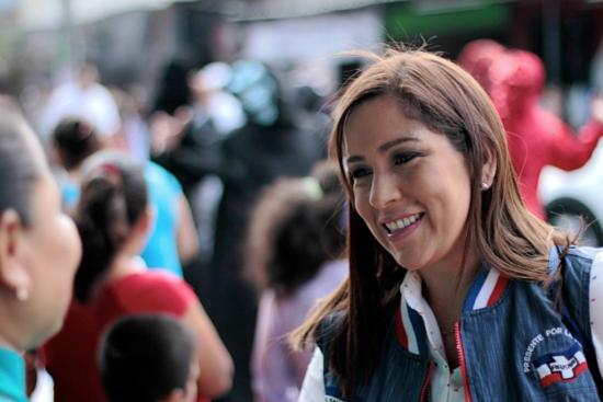 Alejandrina Castro, diputada en El Salvador