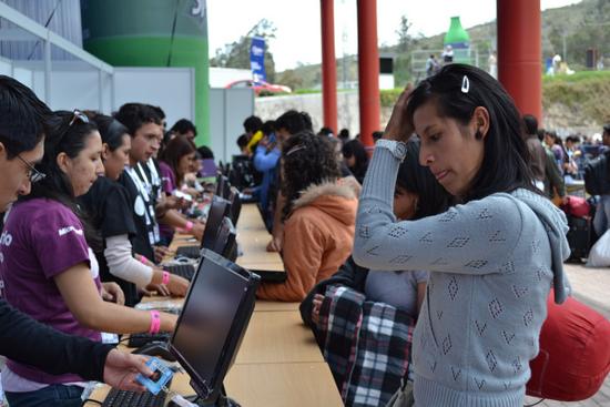 Participantes en una edición de Campus Party en Quito (foto: Distrogeek)